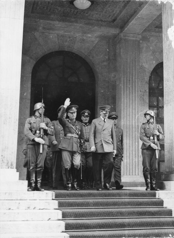 Ion Antonescu aux côtés d'Adolf Hitler, le 10 juin 1941, à Munich.