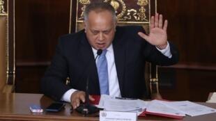 El presidente de la Asamblea Nacional Constituyente Diosdado Cabello habla este lunes durante una sesión para presentar el presupuesto general de la nación para el año 2020, en Caracas (Venezuela)