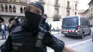 Arrestation de suspects à Ripoll, en Catalogne, le 18 août 2017.