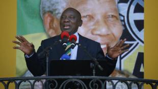 El actual líder del partido Congreso Nacional Africano, Cyril Ramaphosa, pudiese ocupar el cargo de Zuma como presidente de Sudáfrica