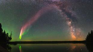 Steve et la Voie lactée, Childs Lake, Manitoba, Canada.