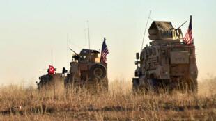 Une patrouille conjointe américano-turque, dans les alentours de Manbij, le 1er novembre.