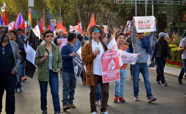 Marcha en la Ciudad de México contra el gasolinazo, aumento  en precios de gasolina, el 09 de enero de 2017.