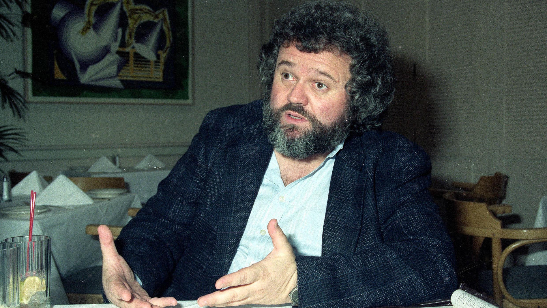 El director de fotografía Allen Daviau, en 1990, durante una entrevista en Los Ángeles, EE. UU.