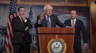Le sénateur du Vermont Bernie Sanders s'exprime après le vote sur le Yémen, le 13 décembre 2018.