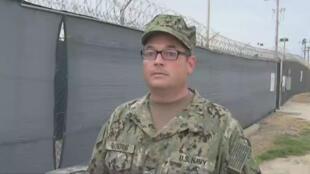 Le capitaine John Filostrat, l'un des porte-parole de l'armée américaine à Guantanamo.