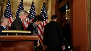 Los líderes republicanos se retiran de una conferencia de prensa en el Congreso el 18 de enero de 2018.