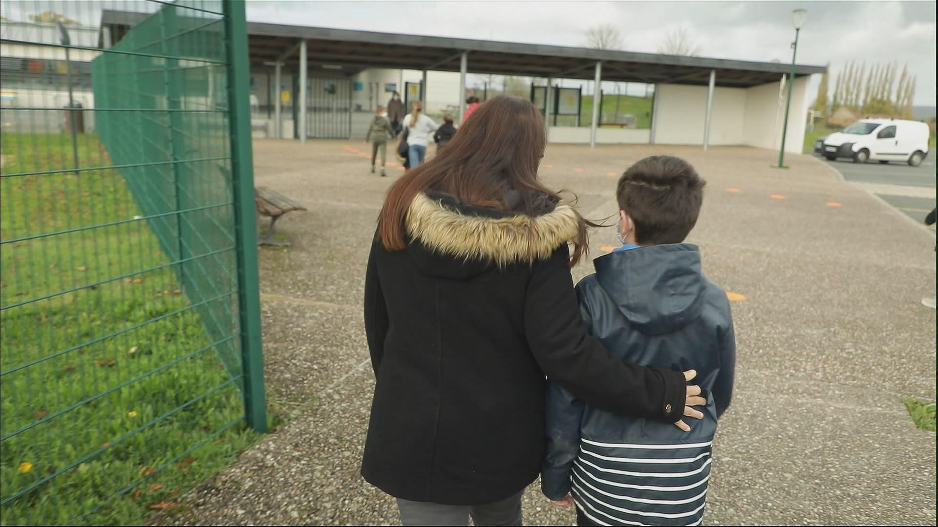 FR MG EMISSION CEST EN FRANCE ENFANTS PLACES NO MIX 2