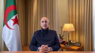 """Hospitalisé en Allemagne après avoir contracté le Covid-19, le président algérien Abdelmadjid Tebboune s'était exprimé dans un discours à destination des Algériens, le 13 décembre 2020, promettant un retour """"dans les plus brefs délais""""."""