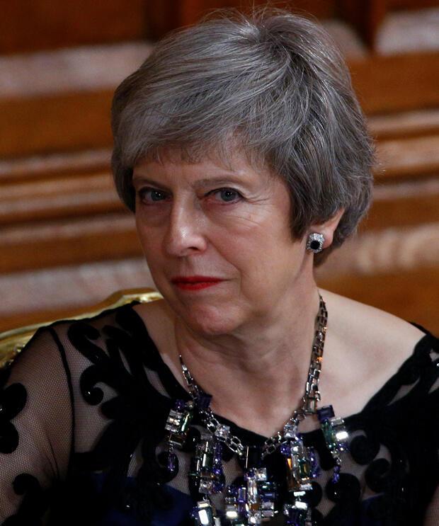 La primera ministra de Gran Bretaña, Theresa May, asiste durante el banquete anual de Lord May en Guildhall en Londres, Gran Bretaña, 12 de noviembre de 2018.