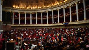 Le gouvernement lors d'une séance à l'Assemblée nationale, le 8 juillet 2020, à Paris.