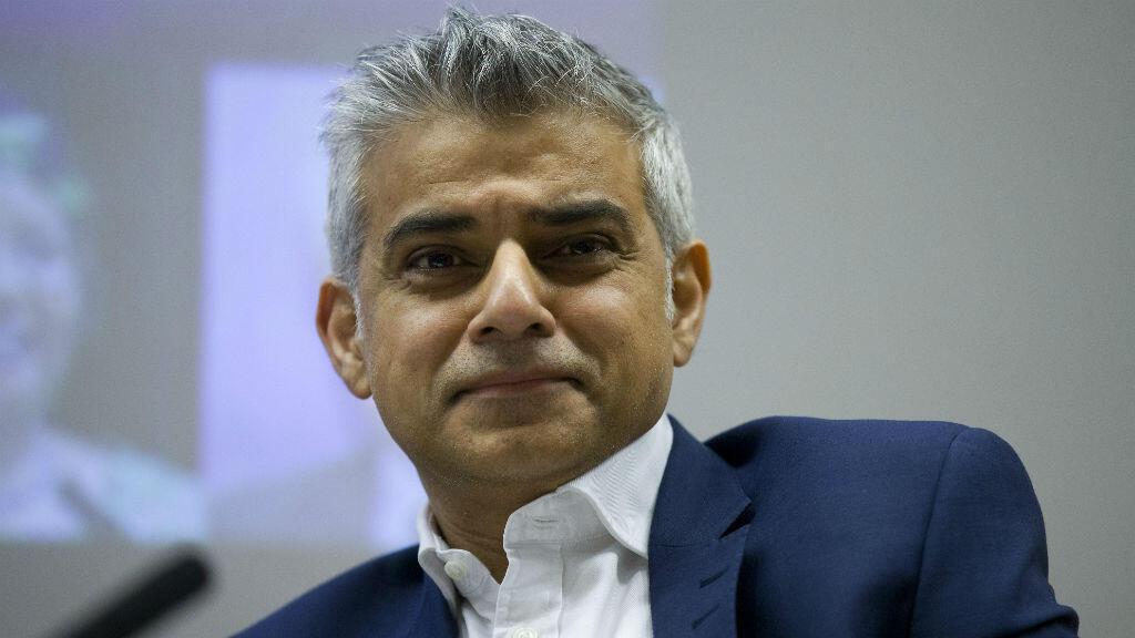 Le 5 mai, le candidat travailliste Sadiq Khan pourrait bien succéder à Boris Johnson à la mairie de Londres.