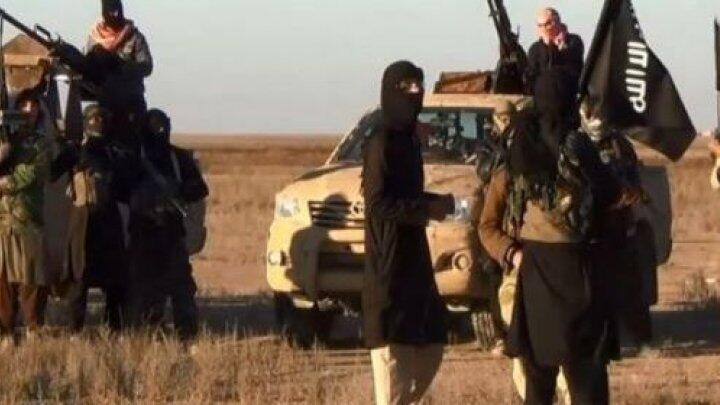 Archive photo of IS group fighters