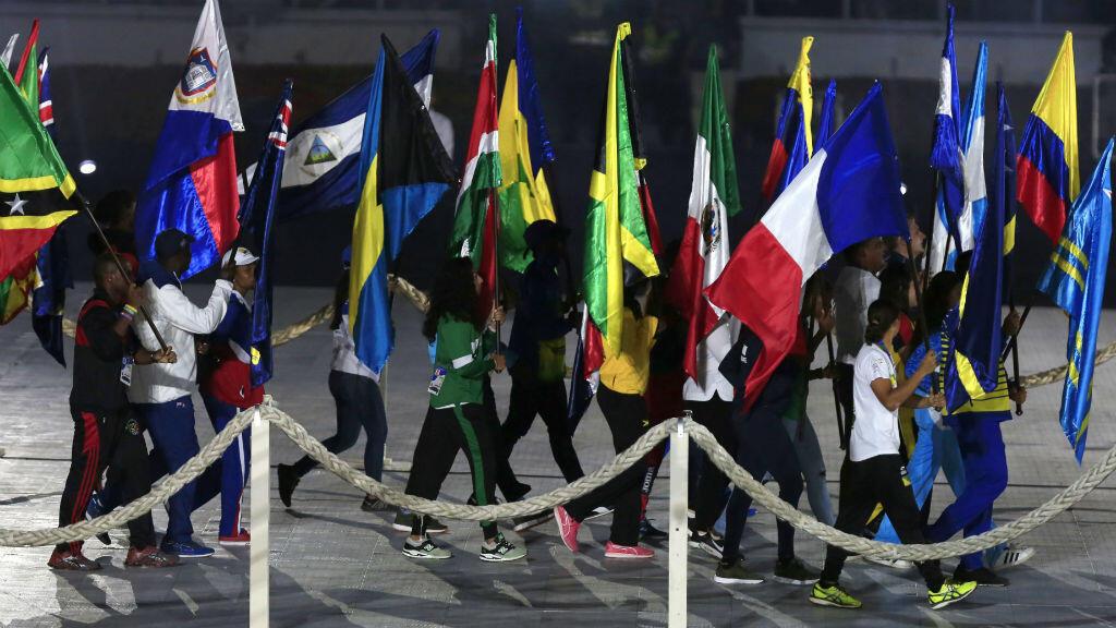 Parte de la delegación de atletas de los países que participaron en la clausura de los XXIII Juegos Centroamericanos y del Caribe en Barranquilla, Colombia, el 3 de agosto de 2018.