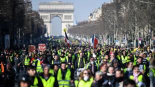 Des Gilets jaunes à Paris, le 16 février 2019.