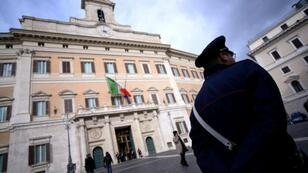 El palacio Montecitorio que aloja el parlamento italiano, en Roma.