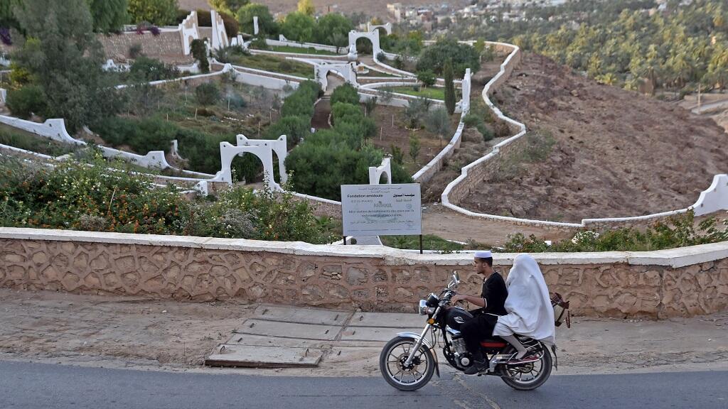 قصر تافيلالت هو أول مدينة صديقة للبيئة في الجزائر يقع في غرداية (جنوب)