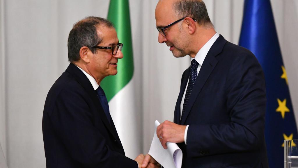 El ministro de Economía de Italia, Giovanni Tria, junto al el comisario europeo de Asuntos Económicos, Pierre Moscovici, el 18 de octubre de 2018 en Roma.