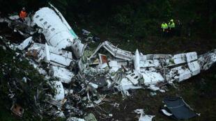 صورة للطائرة المنكوبة التي كانت تقل نادي تشابيكوينسي البرازيلي