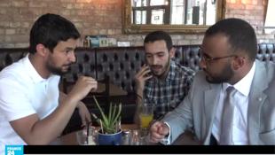 أفراد من الجالية الليبية التي تعيش في مانشستر