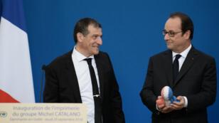 François Hollande a inauguré la nouvelle imprimerie Catalano, où avait eu lieu l'assaut contre les frères Kouachi en janvier 2015.