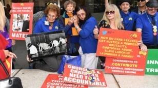 Des manifestants devant le tribunal de Melbourne, le 13 mars 2019.