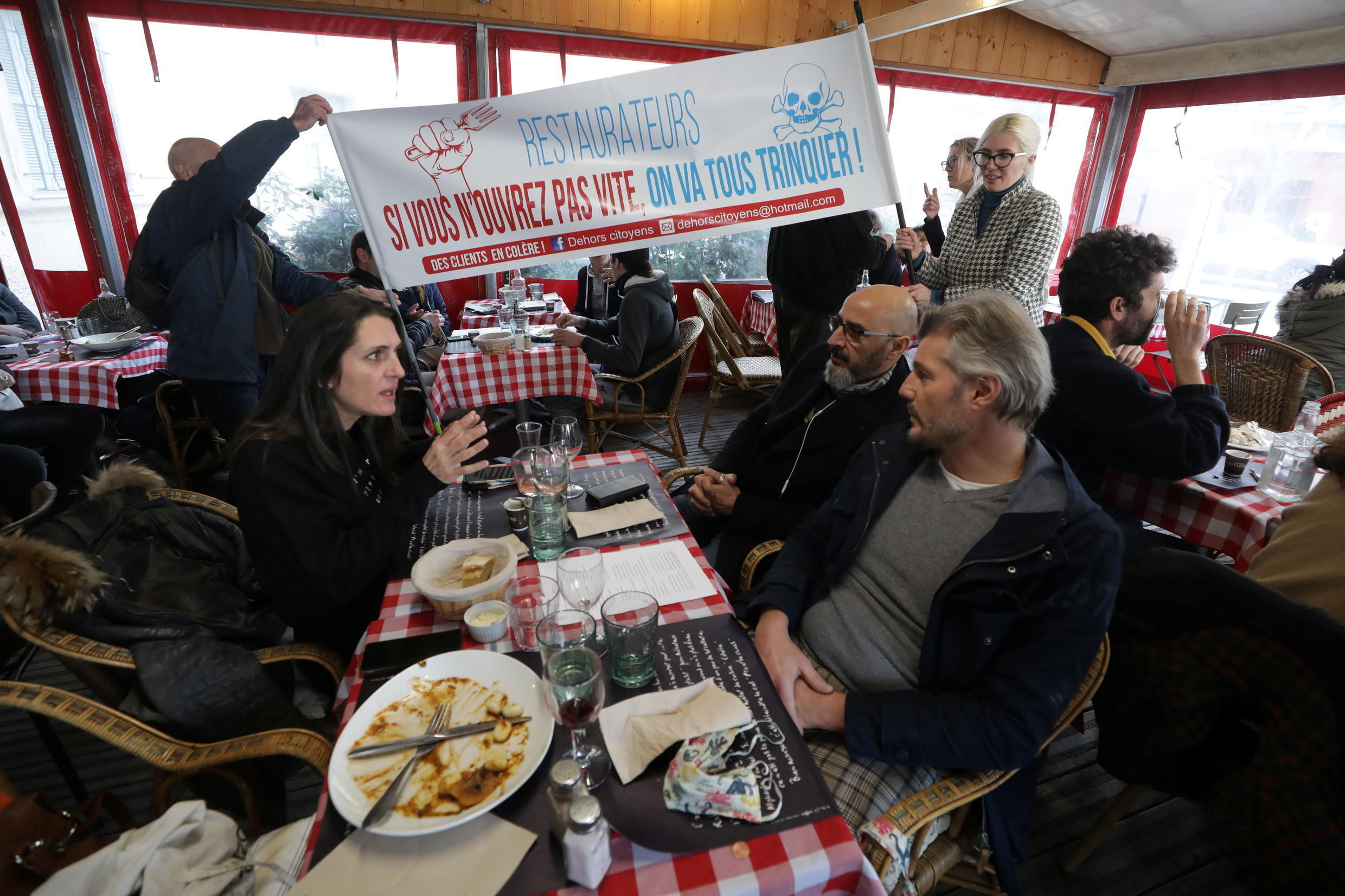 """Nice restaurant """"Poppies"""" on January 27, 2020, opened up its doors for an illicit lunch in an act of civil disobedience to protest the government-ordered Covid-19 closure of bars and restaurants in France"""