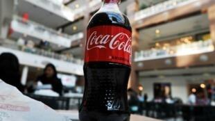 (FILES) Les ventes de Coca-Cola ont nettement progressé au deuxième trimestre, atteignant 10 milliards de dollars