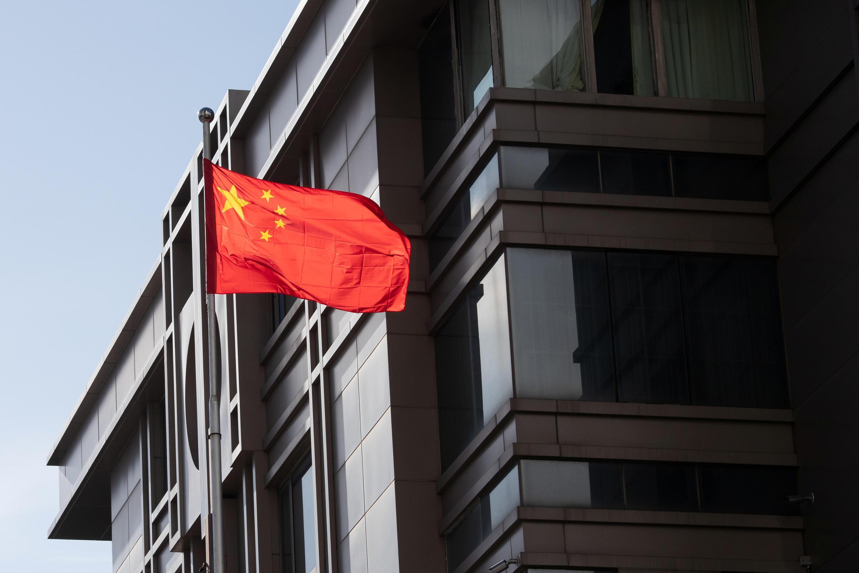 Le consulat chinois à Houston est la première délégation consulaire chinoise a avoir ouvert aux États-Unis en 1979.