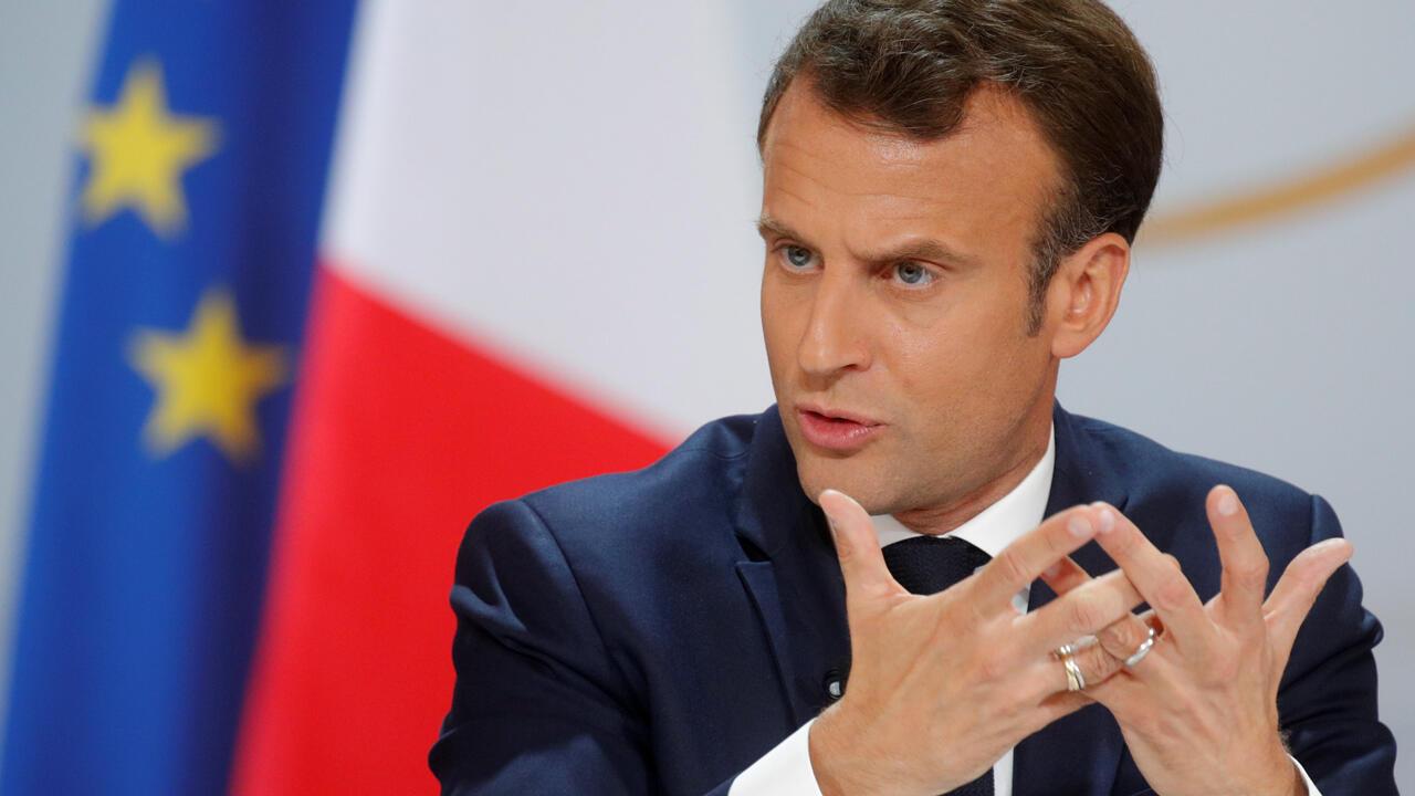 El presidente francés, Emmanuel Macron, habla durante una conferencia de prensa para dar a conocer su respuesta a la protesta de los chalecos amarillos el 25 de abril de 2019.