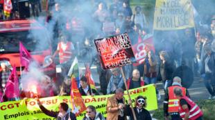 Manifestation contre la politique sociale d'Emmanuel Macron , le 9 octobre à Nantes.