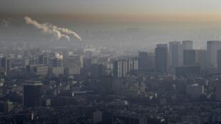 Le nuage de pollution au dessus de Paris, le 9 décembre.