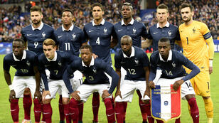 L'équipe de France de football avant son match amical contre l'Allemagne, le 13 novembre 2015 au Stade de France.