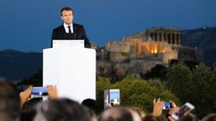 Emmanuel Macron devant l'Acropole, lors de son discours européen à Athènes, le 7 septembre 2017.