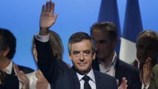 مرشح اليمين للانتخابات الرئاسية الفرنسية فرانسوا فيون
