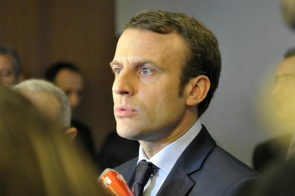 Le candidat à l'élection présidentielle Emmanuel Macron, lors d'une visite de deux jours en Algérie, le 13 février 2017.