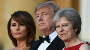 La Première dame Melania Trump, le président américain Donald Trump et la Première ministre britannique Theresa May au Blenheim Palace le 12 juillet 2018.