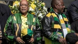 رئيس جنوب أفريقيا جاكوب زوما ونائبه سيريل رامافوسا