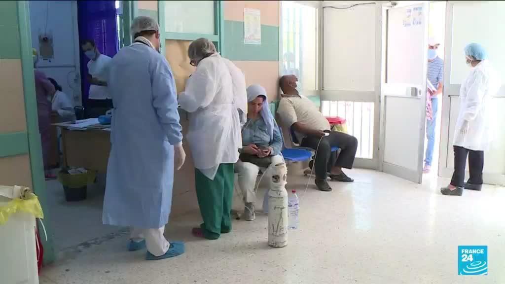 """2021-07-13 06:06 Pandémie de Covid-19 au Maghreb : reprise """"alarmante"""" en Algérie, appel aux dons en Tunisie"""
