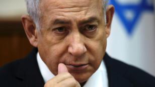 Benjamin Netanyahou, 69 ans et bientôt 13 ans de pouvoir, brigue un cinquième mandat mais une mise en examen pourrait changer la donne en cette période électorale.