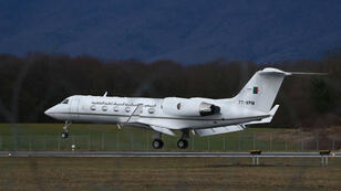 Un avion Bombardier du gouvernement algérien atterrit le 10mars2019 à l'aéroport Cointrin de Genève, où le président algérien Abdelaziz Bouteflika est hospitalisé.