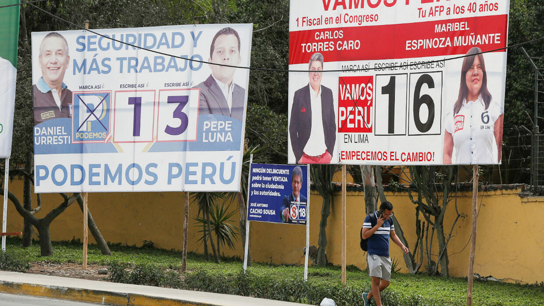 Les Péruviens renouvellent leur Parlement pour sortir de la crise politique