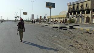 Un combattant pro-gouvernemental yéménite dans la ville portuaire de Hodeïda, contrôlée par les Houthis, le 15 décembre.