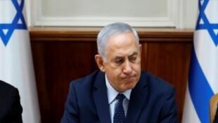 رئيس الوزراء الإسرائيلي بنيامين نتانياهو مفتتحا الاجتماع الأسبوعي للحكومة في القدس في 26 أيلول/سبتمبر