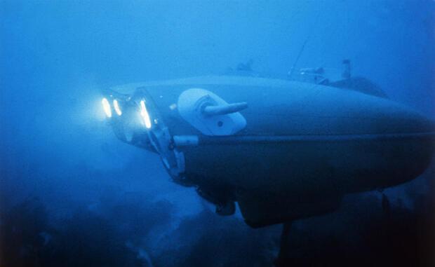"""La """"Soucoupe plongeante"""" en exploration dans les mers chaudes, en 1973."""