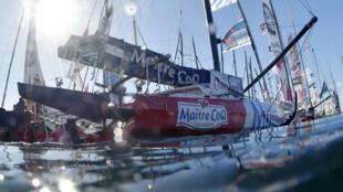 Le voilier du skippeur Français Jeremy Beyou, dans le port des Sables-d'Olonne avant le départ du Vendée Globe, le 5 novembre 2016.