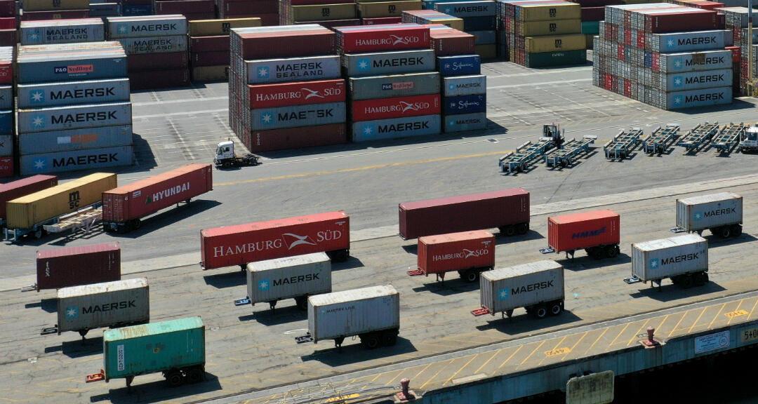 Containers en una plataforma de embarque de Los Ángeles, California, Estados Unidos, el 16 de abril de 2020.