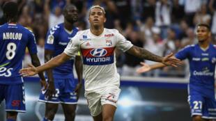 Le nouvel attaquant lyonnais, Mariano Diaz, après son but contre Strasbourg, le 5 août 2017.