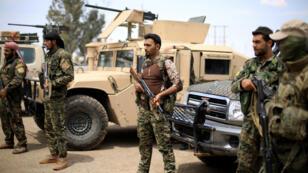 Des combattants des FDS à Deir Ezzor, le 1er mai 2018.