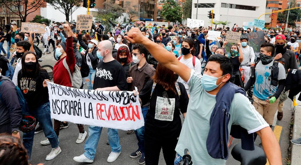 Students join a new day of protests in Bogotá, Colombia, on May 4, 2021. Tension reigns in the streets due to the demonstrations with various claims, which have left at least 16 dead, according to the Ombudsman's Office, and 26 deceased, according to the NGO Tremors.